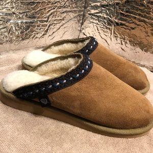 Acorn Slippers size 6